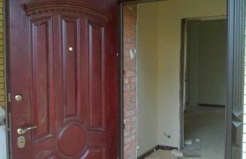 Кто предлагает надежные железные двери?