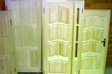 Где можно выбрать качественные двери из сосны?