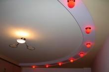 Как выполнять монтаж натяжного потолка?