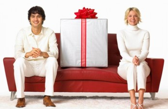 Кто поможет выбрать оригинальный подарок?