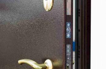 Какими должны быть стальные двери?