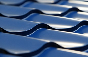 Характеристики крыши из металлочерепицы